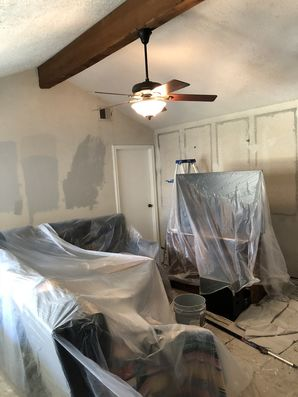 Before and after interior painting Houston TX using Sherwin Williams super-paint Sw 7767  Zircon (1)