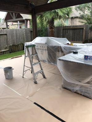 Staining Wood on Outdoor Kitchen in Houston, TX (2)