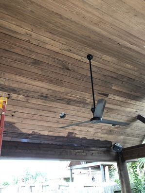 Staining Wood on Outdoor Kitchen in Houston, TX (3)