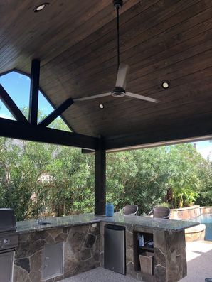 Staining Wood on Outdoor Kitchen in Houston, TX (5)