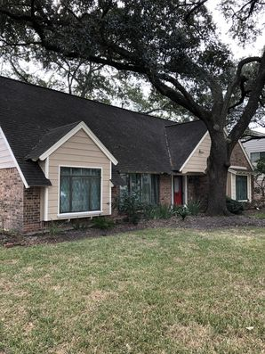 Before and After Exterior House Painting Spring Branch Houston, TX (4)