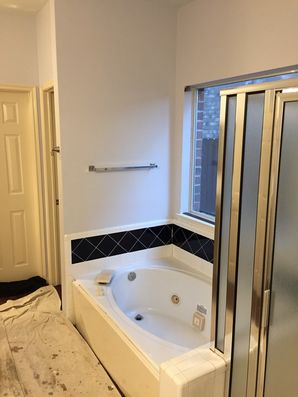 Before & After Bathroom Remodel in Houston, TX (1)